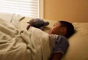 分床睡,孩子死活不愿意怎么办,太原心理咨询