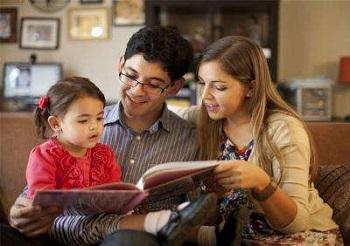 爸爸妈妈是儿童第一个老师