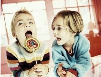 太原心理咨询中心:孩子人来疯怎么办