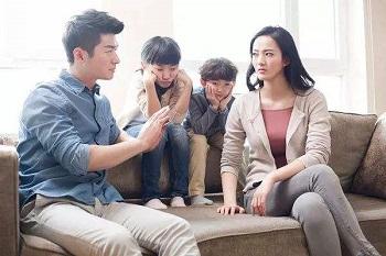 危害孩子成长的亲子关系是什么