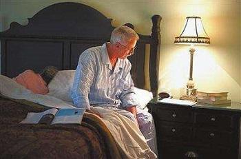 哪些问题会影响老年人的情绪?